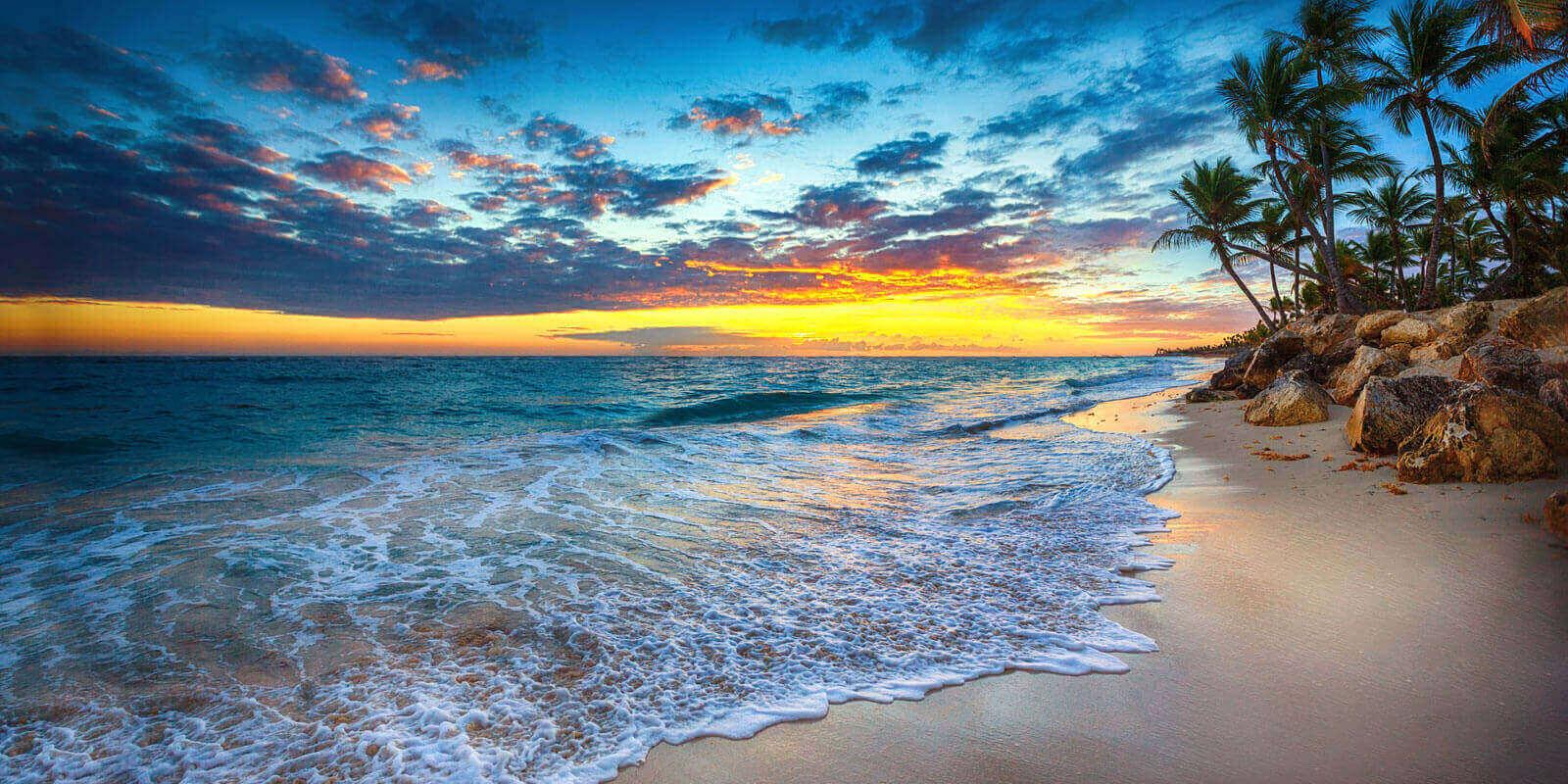 Sunrise in bahamas Beachside